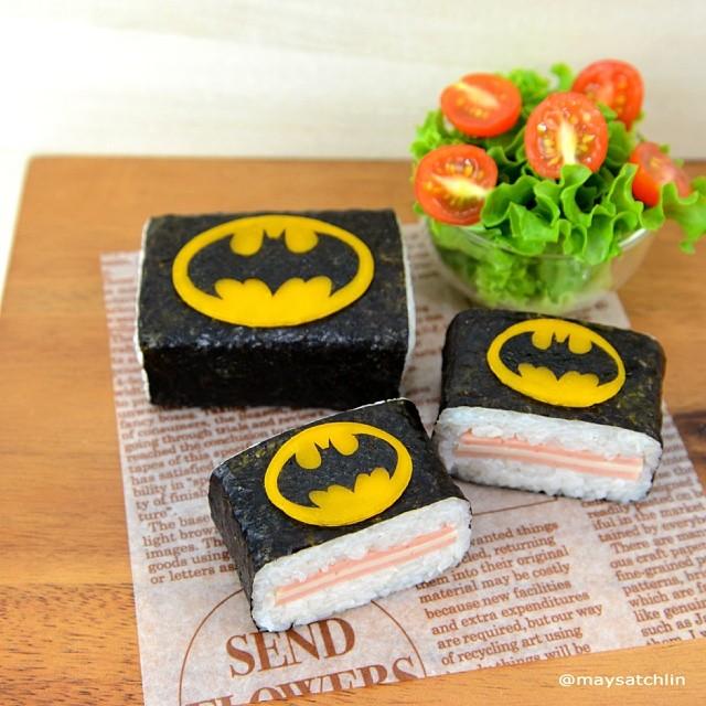 Omusubi Batman Symbol Sushi Roll