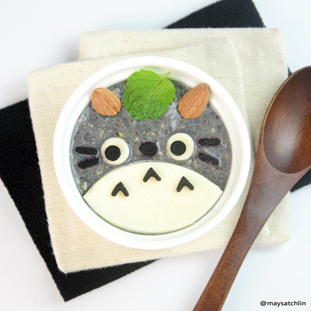 Organic Rolled Oats with chia seeds, brown flaxeed meal - Totoro shape