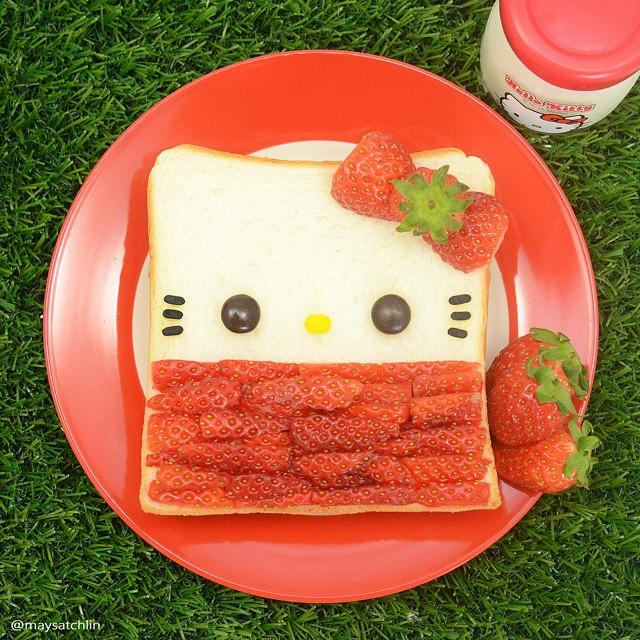 Tea Break - Hello Kitty Bread with Strawberry